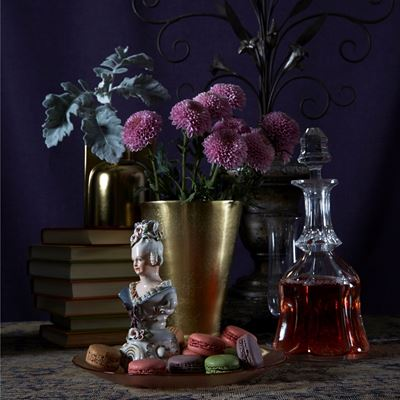 Singular Sensations: Mixing Flowers Is Not The Only Solution For Beautiful Vases, In Fact For Some It's A No-No.